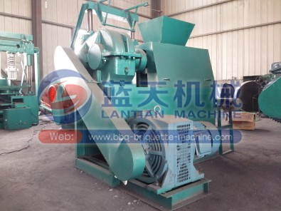 Carbon black pellet mill